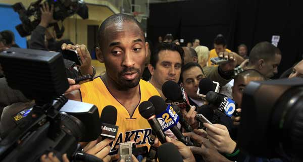 Lakers All-Star guard Kobe Bryant takes questions during media day at the  team s El Segundo training facility on Sunday. (Rick Loomis   Los Angeles  Times) 54e06eb95