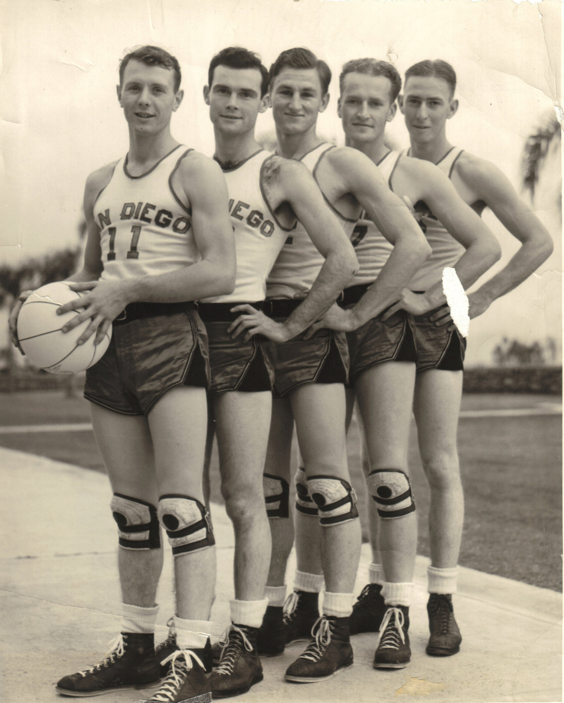 sdsu-mens-vintage-basketball